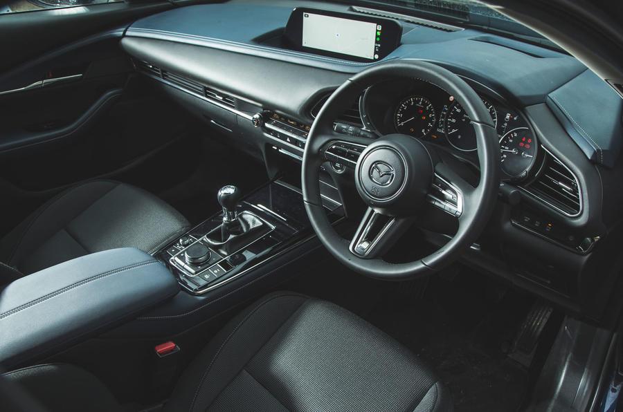 11 Mazda MX 30 2021 : tableau de bord de l'examen à long terme