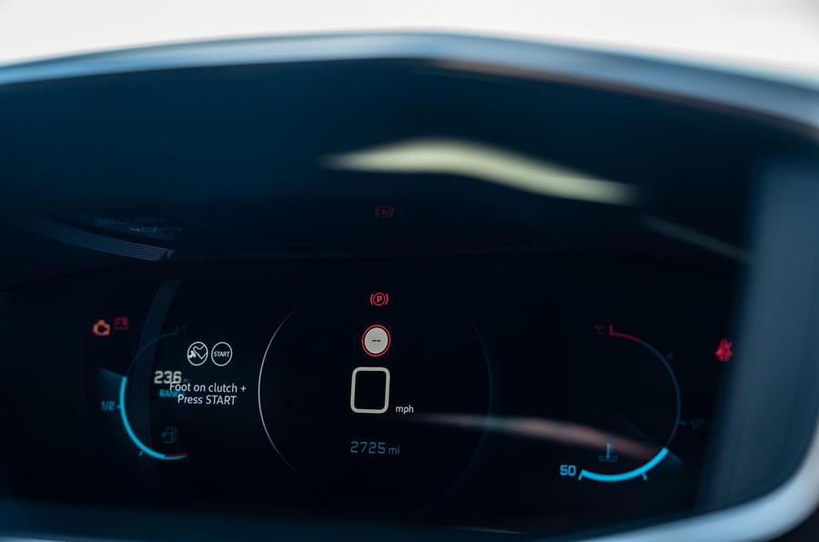 Peugeot 2008 2020 : essai à long terme - instruments