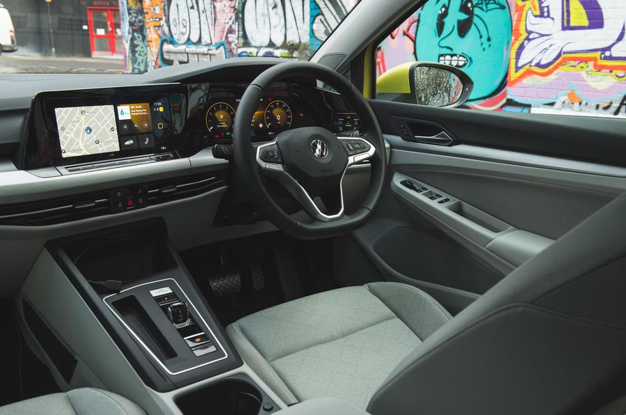 11 Volkswagen Golf 2021, cabine de révision à long terme