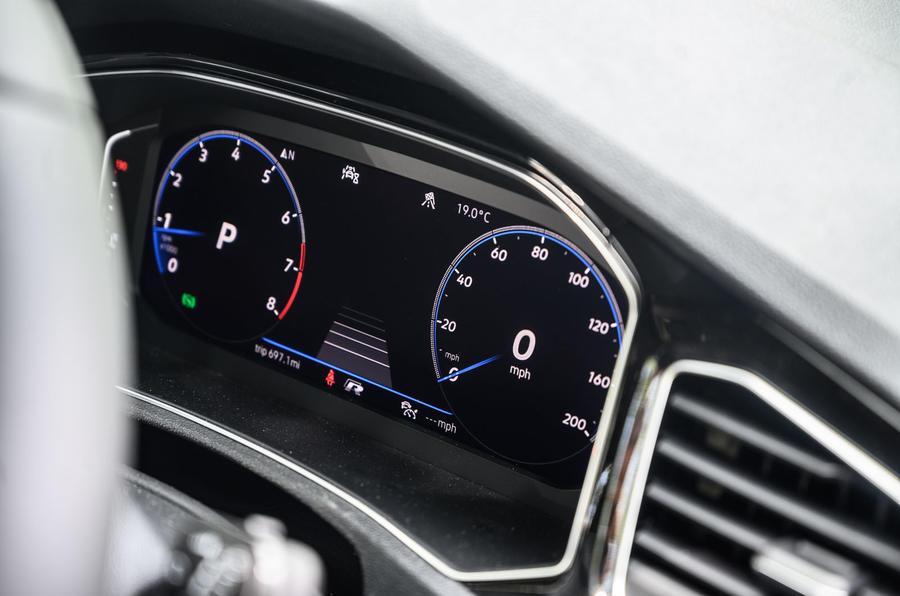 Volkswagen T-Roc R 2020 : révision à long terme - instruments