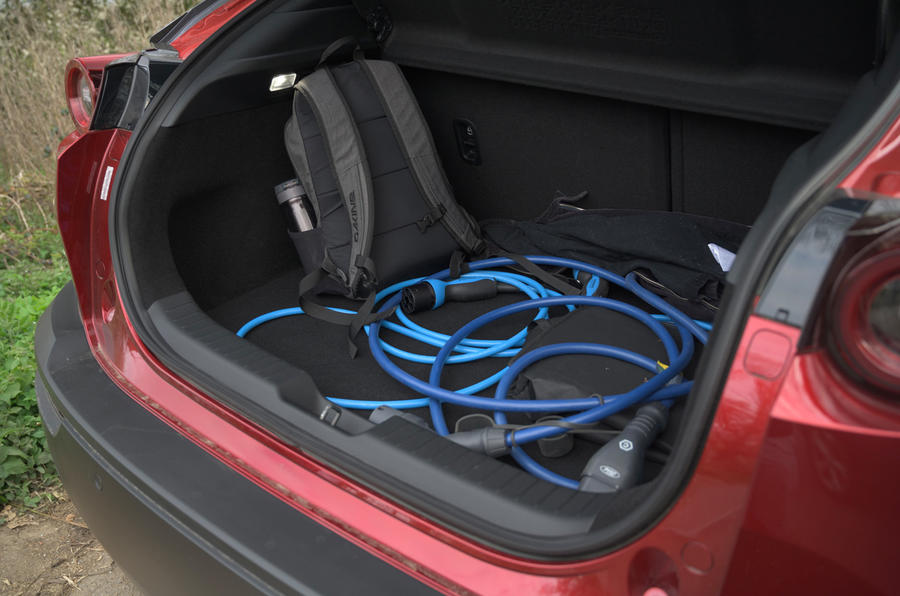 12 Coffre de la Mazda MX 30 2021 LT
