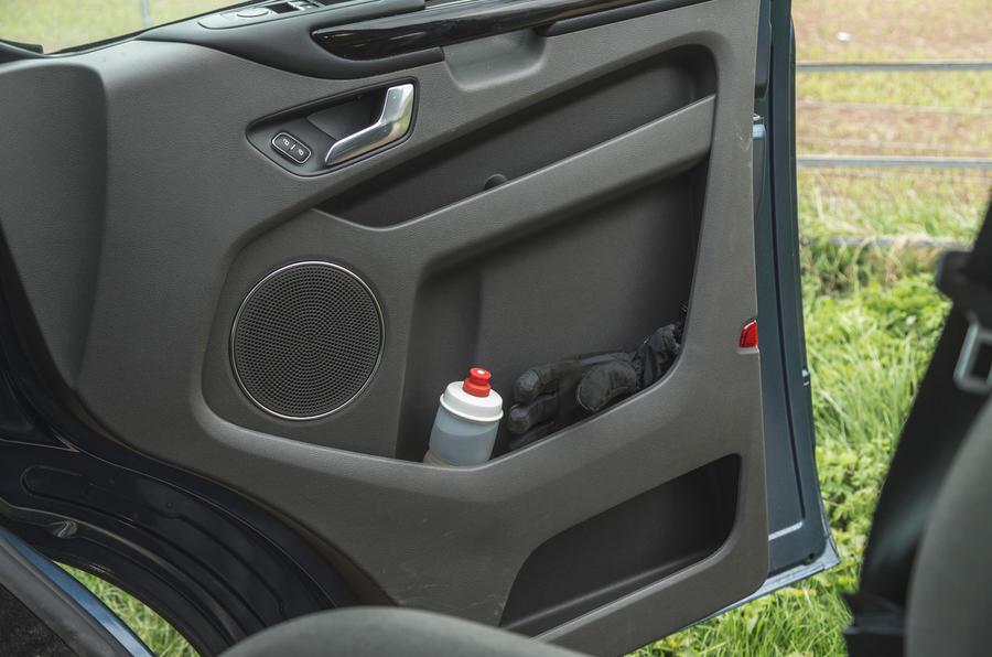 13 Ford Tourneo 2021 LT cartes de porte