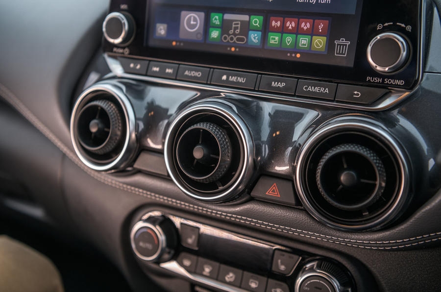 Nissan Juke 2020 long-term review - air vents