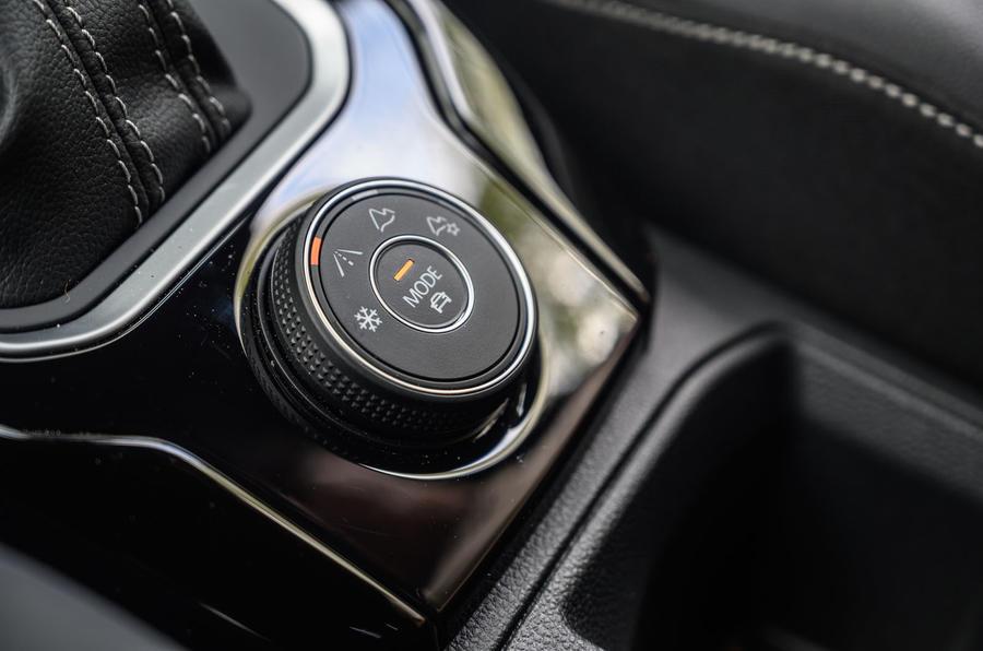 Volkswagen T-Roc R 2020 : examen à long terme - mode select