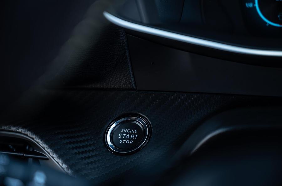 Peugeot 2008 2020 : essai à long terme - bouton de démarrage