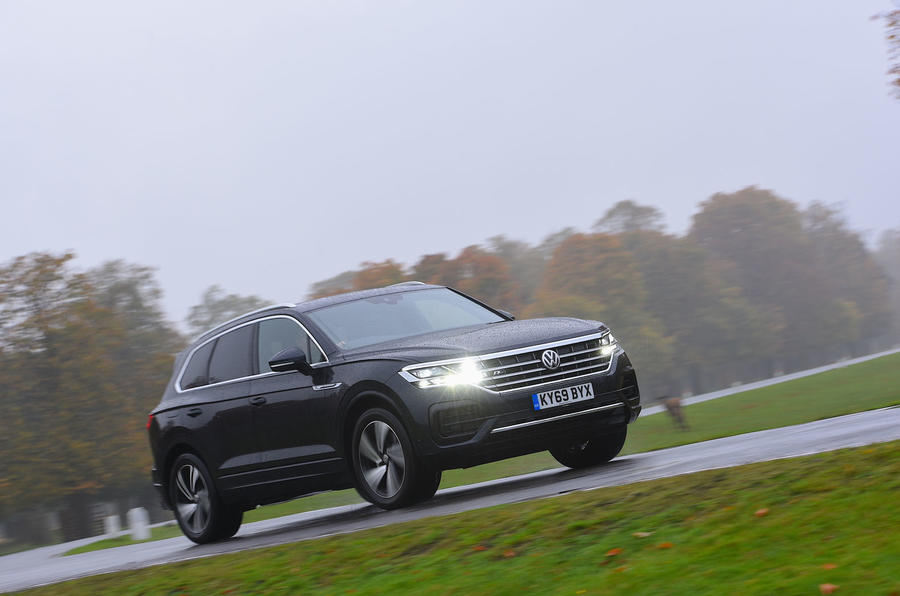 Volkswagen Touareg 2019 long-term review - driving through the park front