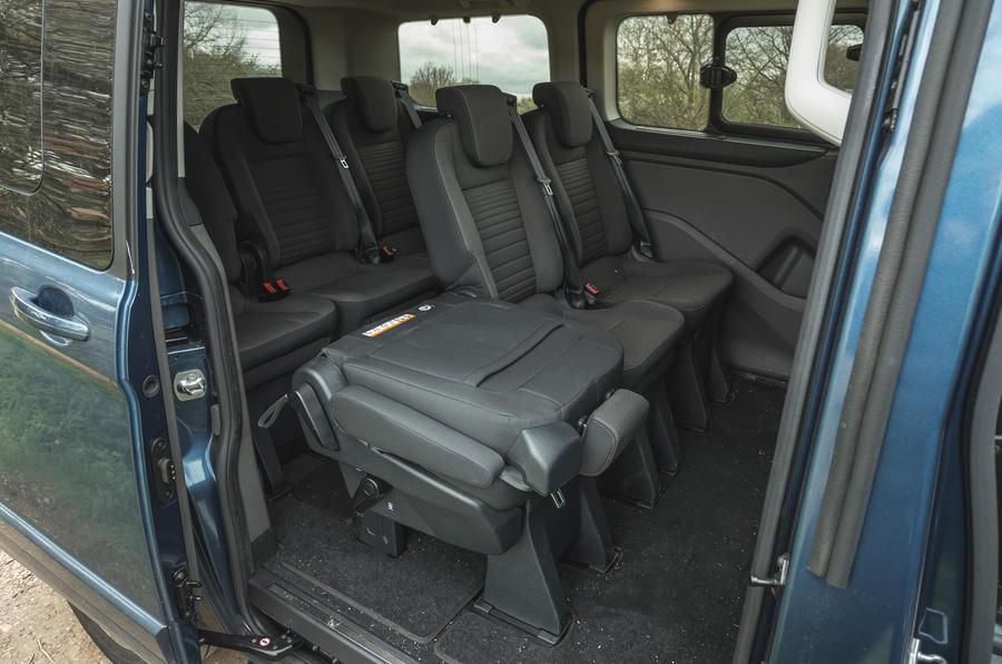 15 Ford Tourneo 2021 LT cabine arrière