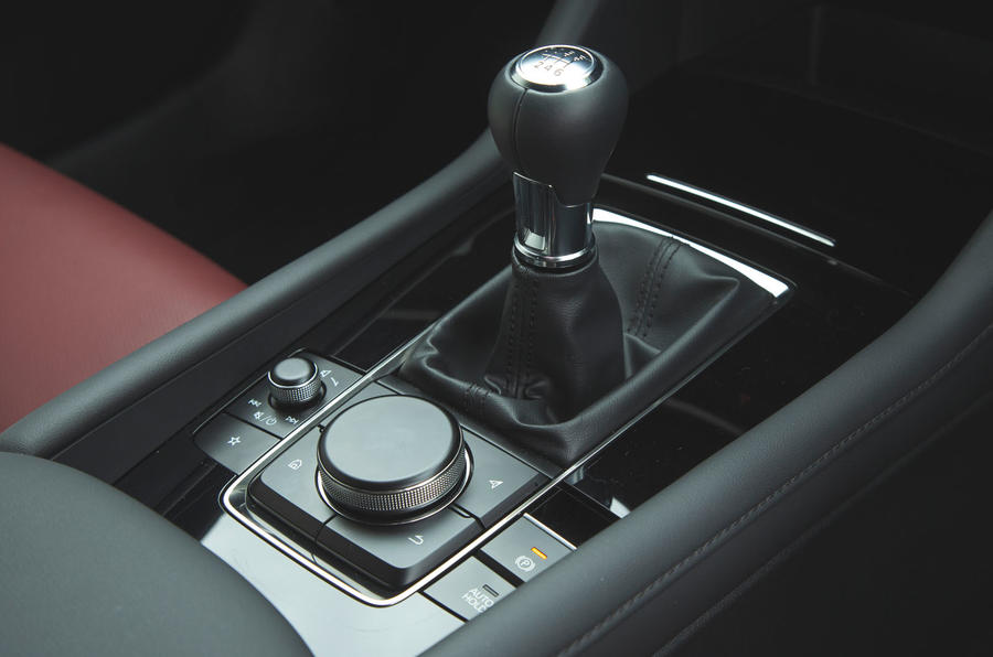 Mazda 3 2019 long term review - gearstick