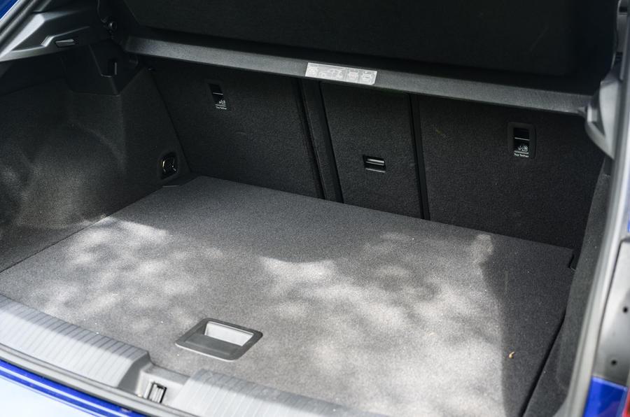 Volkswagen T-Roc R 2020 : révision à long terme - démarrer