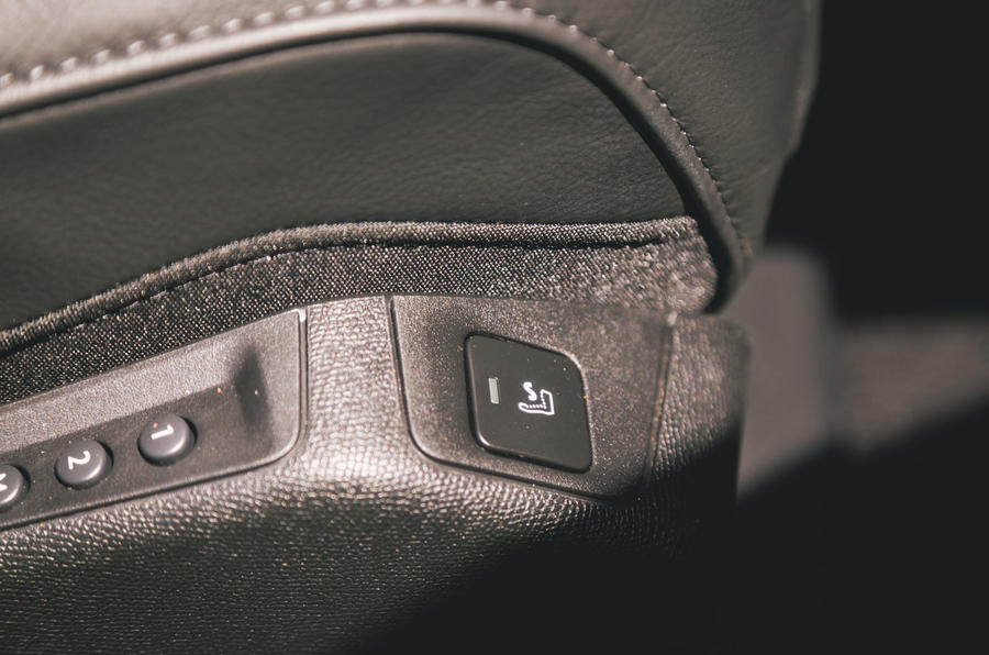 DS 7 Crossback 2019 long-term review - seat heaters