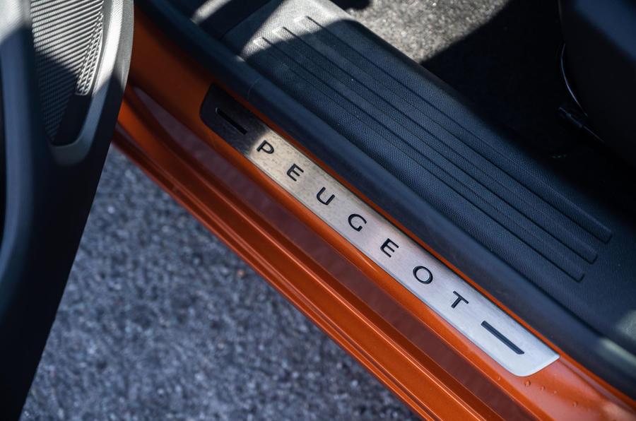 Peugeot 2008 2020 : essai à long terme - plaques de frottement