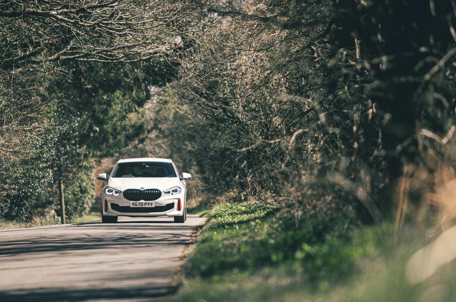 17 BMW 128ti 2021 LT hero sur route avant