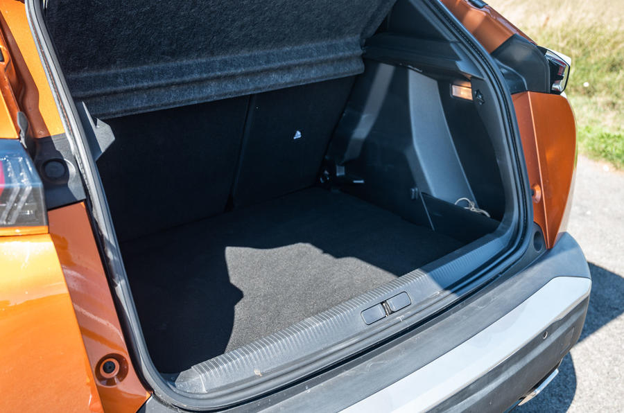 Peugeot 2008 2020 : essai à long terme - coffre