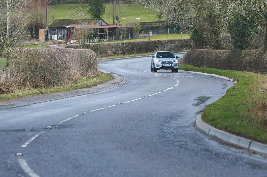 18 Sur l'abonnement de voiture à long terme DS3 sur la route avant