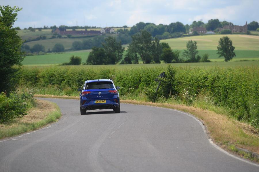 Volkswagen T-Roc R 2020 : bilan à long terme - sur la route