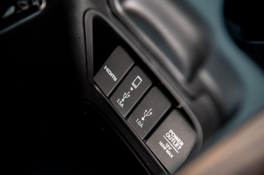 Honda CR-V hybrid 2019 long-term review - USB ports