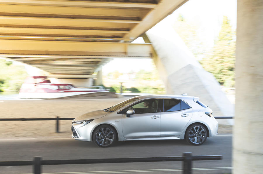 Toyota Corolla 2019 long-term review - on the road side