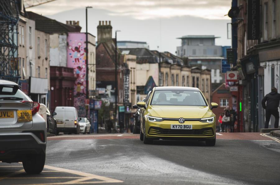 20 Volkswagen Golf 2021 : examen à long terme sur le front de la route