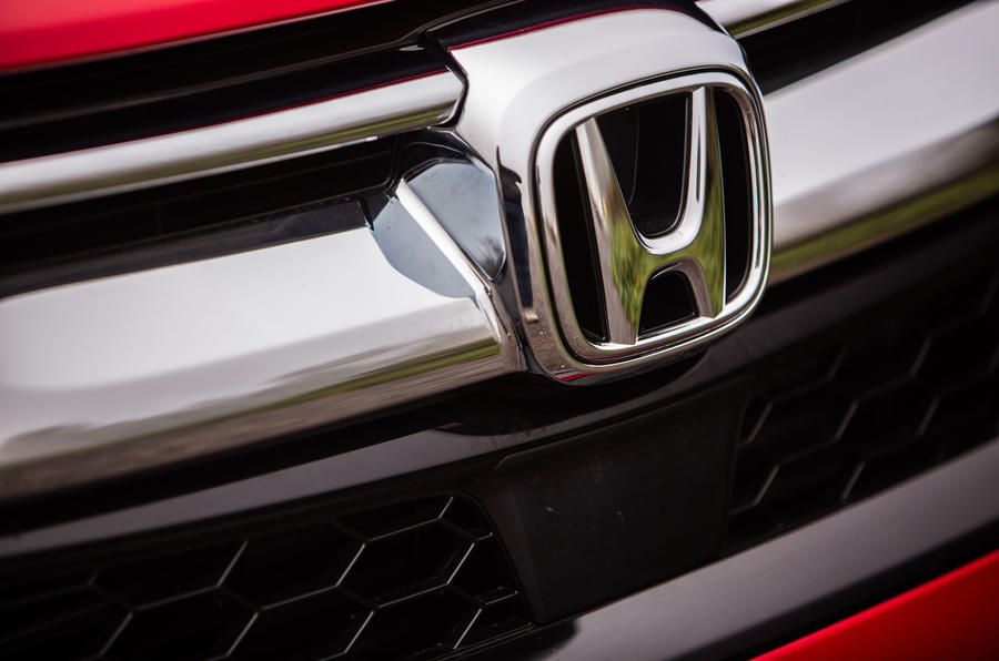 Honda CR-V hybrid 2019 long-term review - bonnet badge