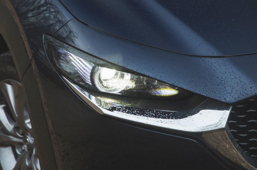 5 phares Mazda MX 30 2021 à l'examen à long terme