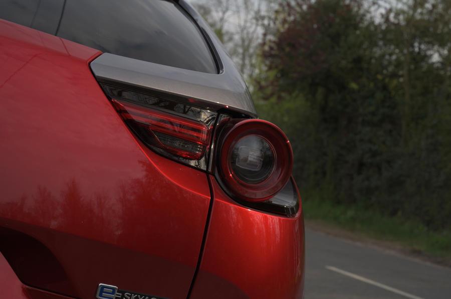 5 Mazda MX 30 2021 LT feux arrière