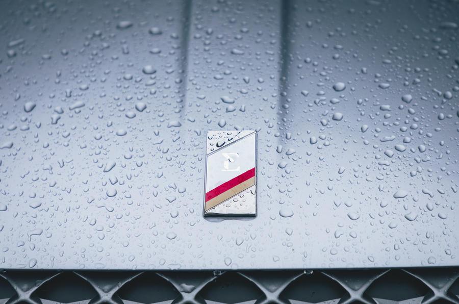 5 Insigne de nez de l'abonnement à la voiture de Onto long term test
