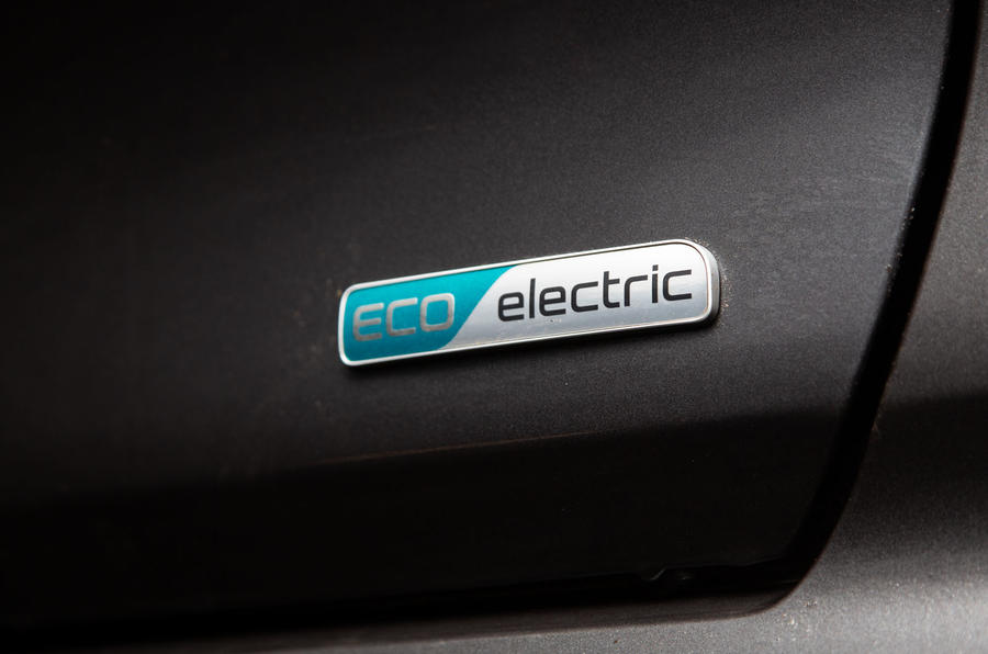 Kia e-Niro 2019 long-term review - eco badge