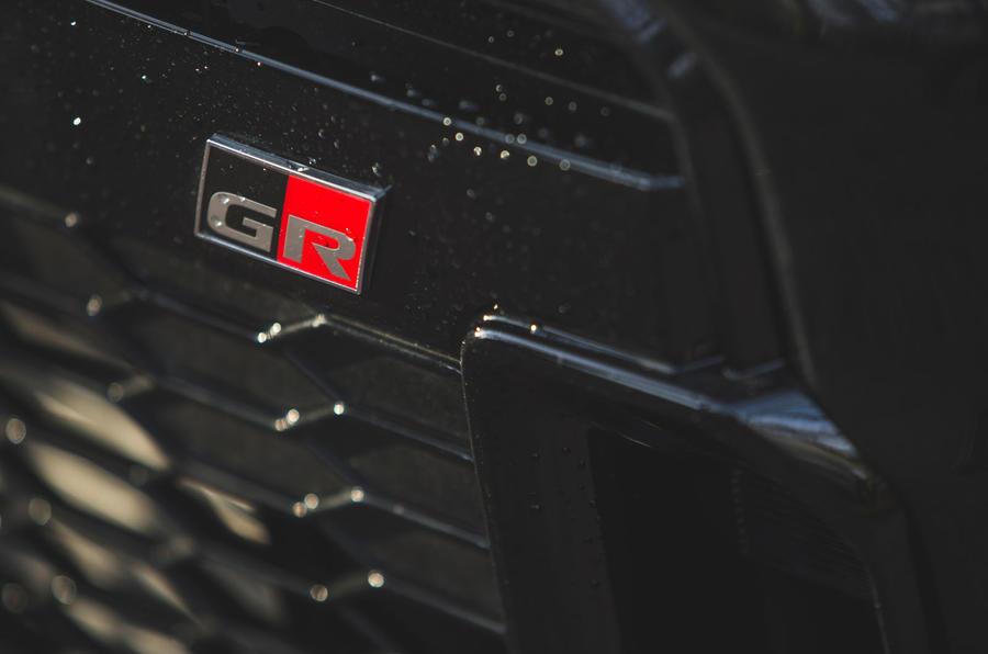 6 Insigne de pare-chocs Toyota GR Yaris 2021 pour l'examen à long terme