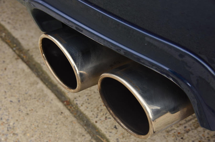 Alpina B4 S 2019 long-term review - exhausts
