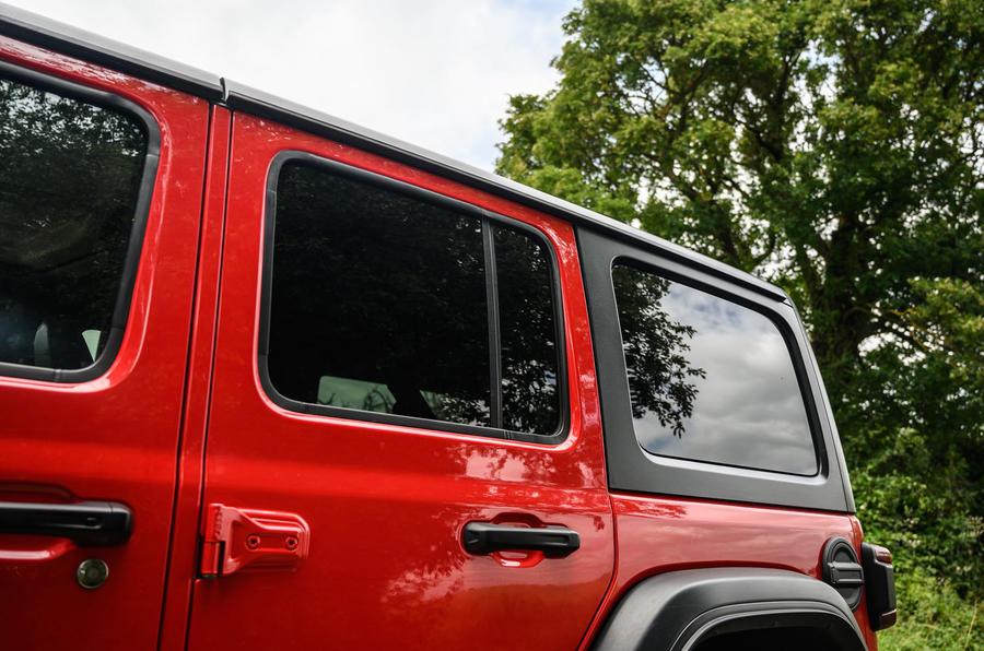 Jeep Wrangler Rubicon 2020 : bilan à long terme - trimestre arrière