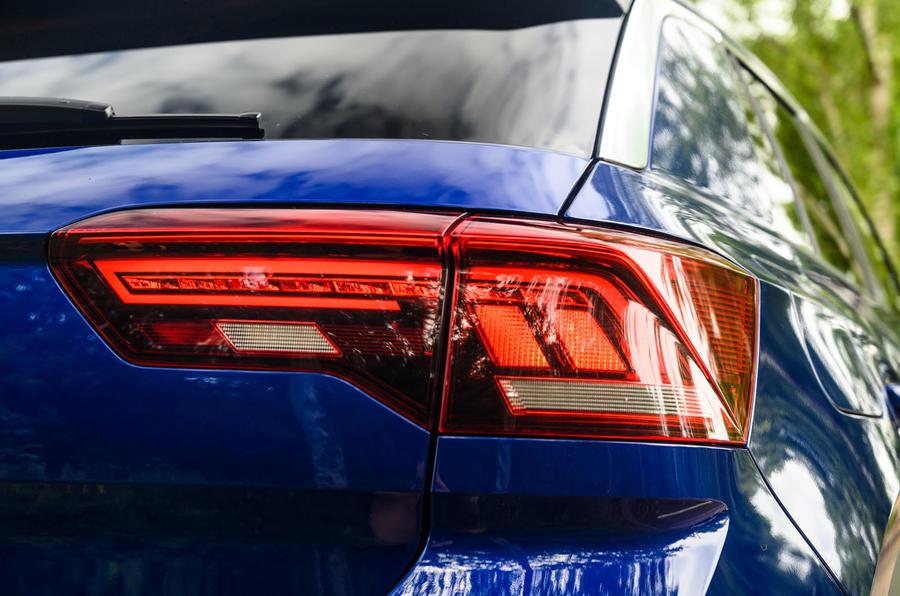 Volkswagen T-Roc R 2020 : révision à long terme - feux arrière