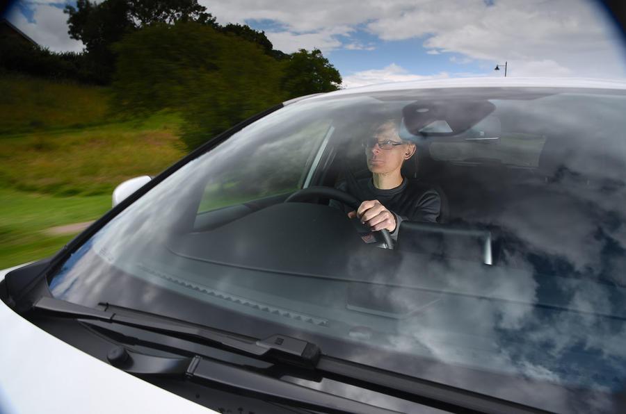 Examen à long terme de la Ford Puma 2020 - James Attwood au volant