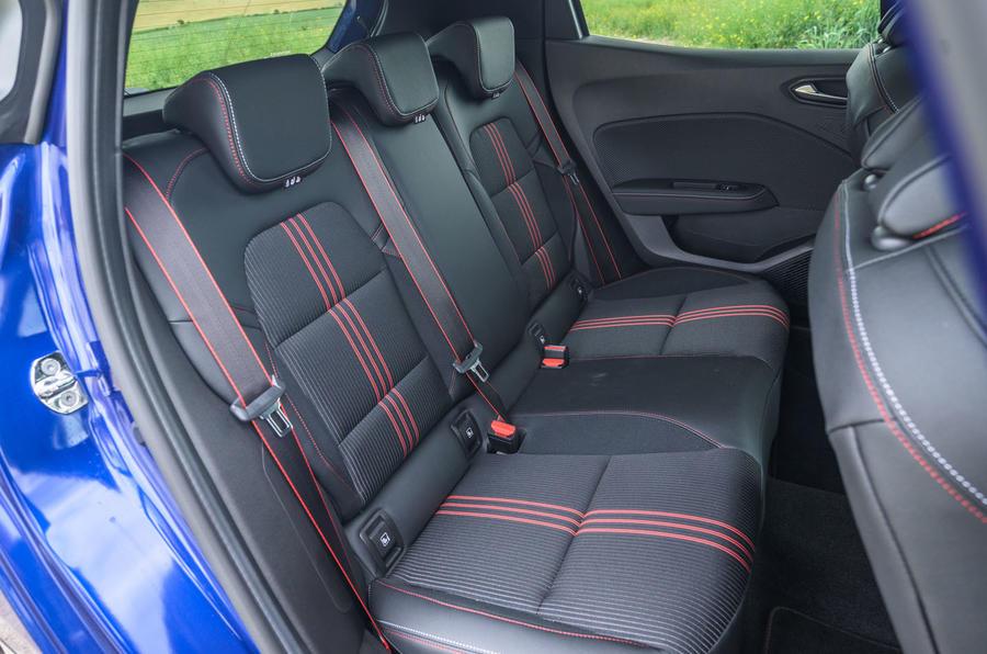 2020 Renault Clio TCe 130 R.S Line - interior