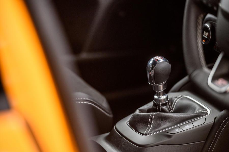 Ford Focus ST 2020 : examen à long terme - levier de vitesse