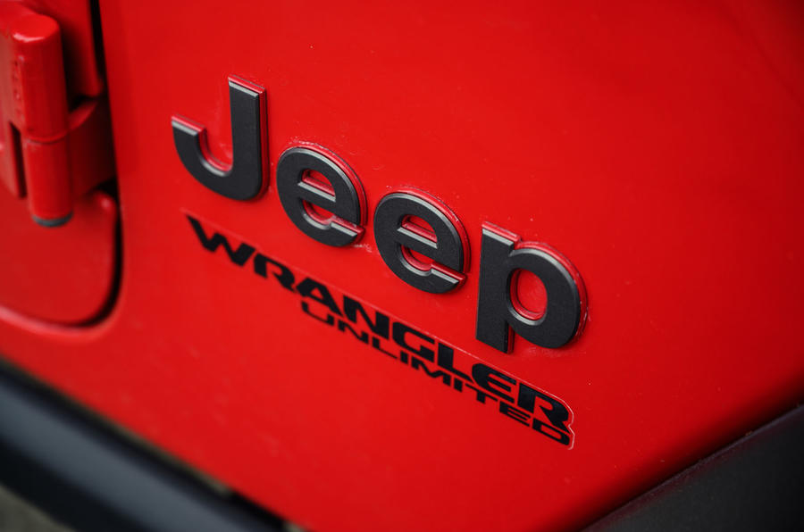 Jeep Wrangler Rubicon 2020 : bilan à long terme - badge arrière