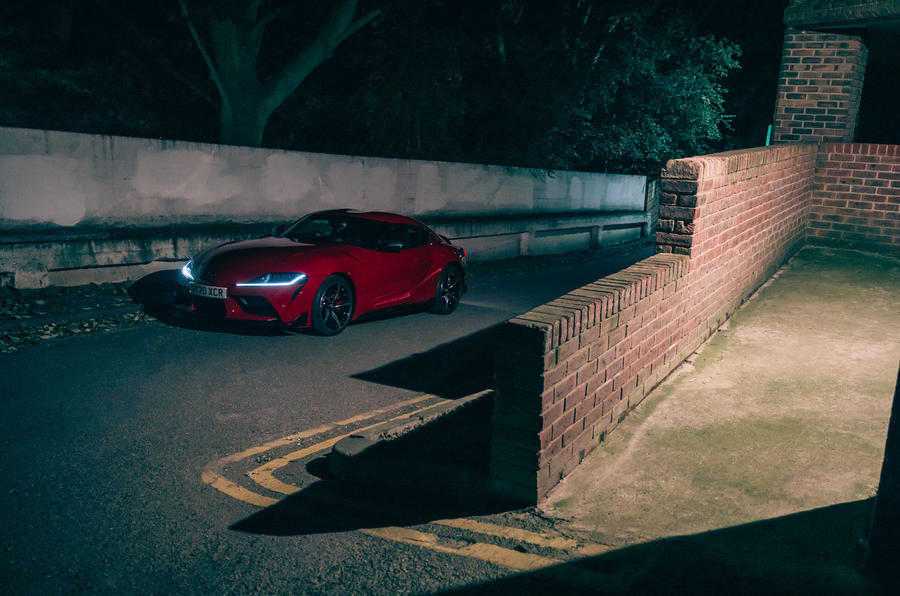 Test & Avis du Toyota GR Supra 2020 - parking