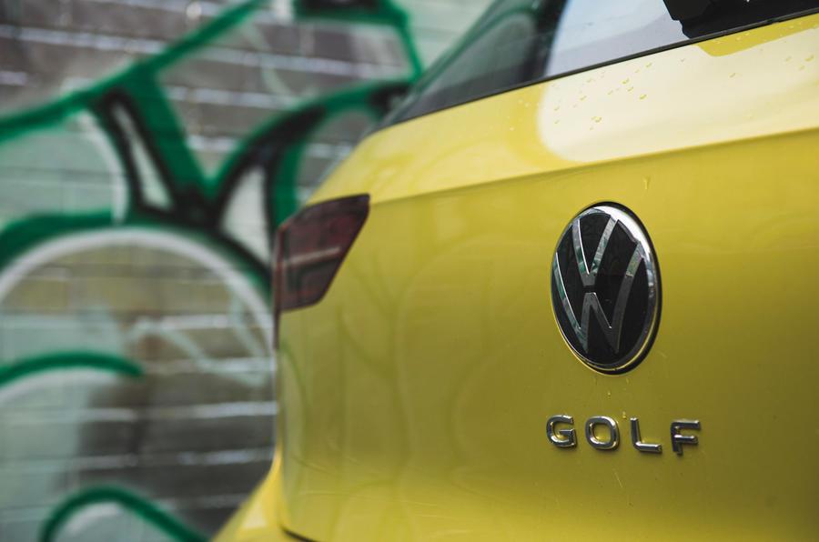 9 Volkswagen Golf 2021 : badge arrière de la révision à long terme