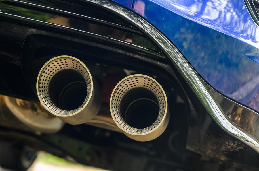 Volkswagen T-Roc R 2020 : révision à long terme - échappements