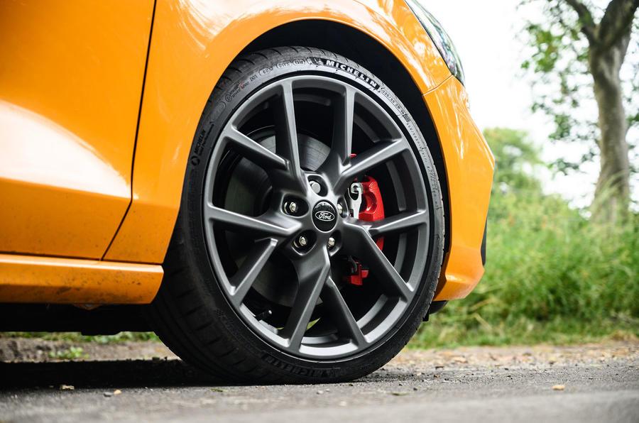 Ford Focus ST 2020 : révision à long terme - roues en alliage
