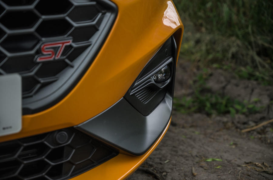 Ford Focus ST 2020 long-term review - foglights