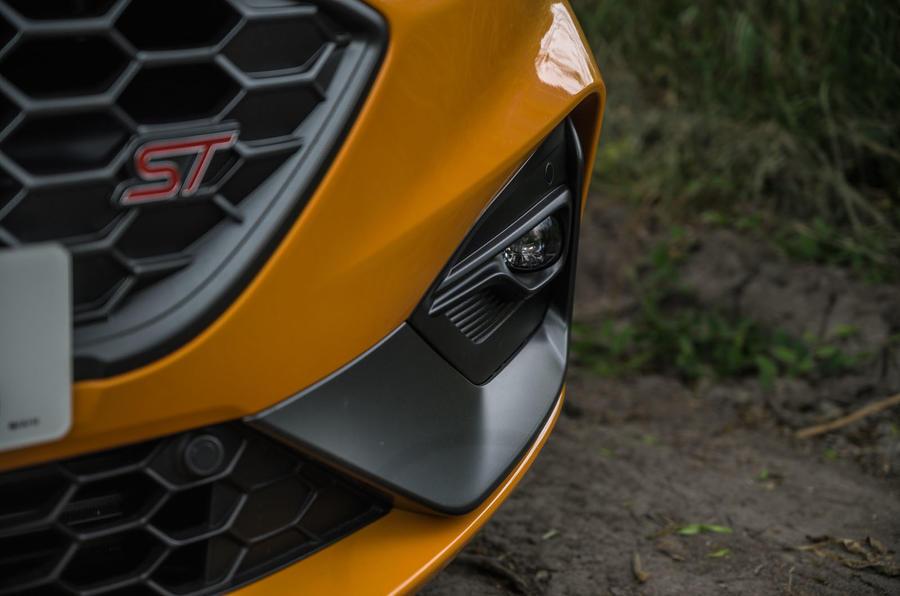 Ford Focus ST 2020 : révision à long terme - feux de brouillard