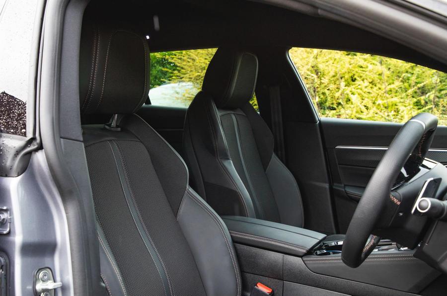 Peugeot 508 SW : bilan à long terme - sièges avant