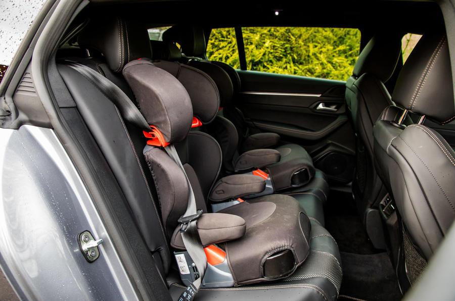Peugeot 508 SW : révision à long terme - sièges pour enfants