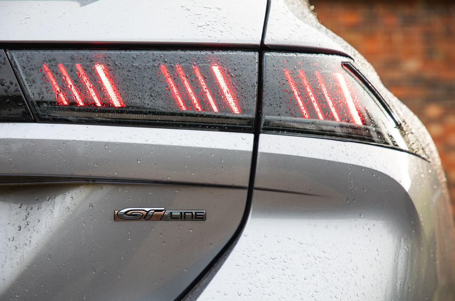 Peugeot 508 SW : bilan à long terme - feux arrière