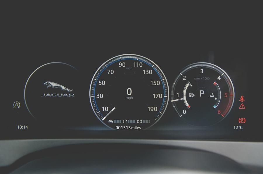 Jaguar XE 2019 long-term review - instruments