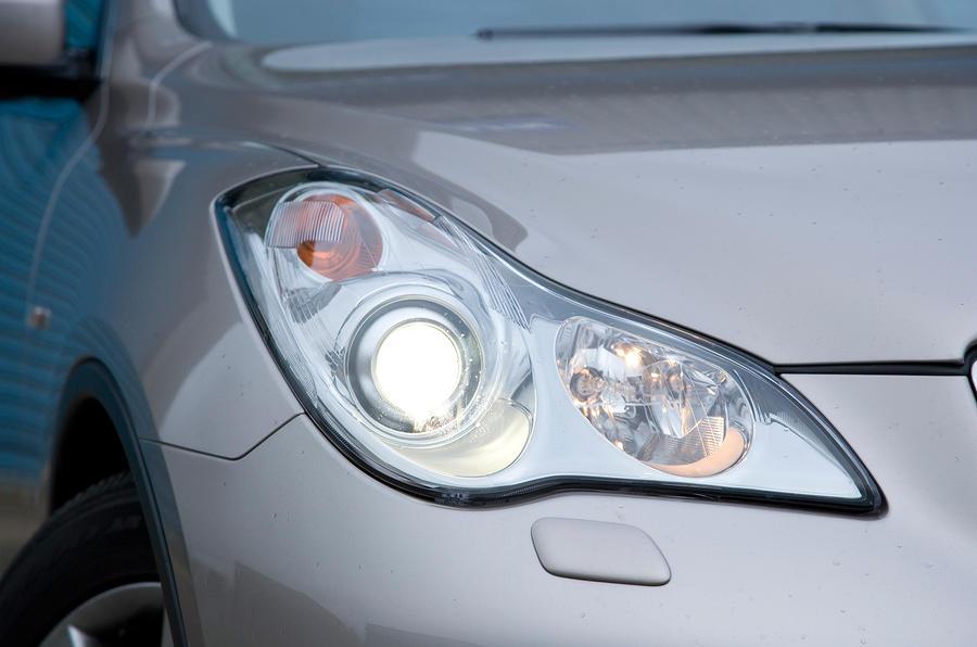 Infiniti EX xenon headlights