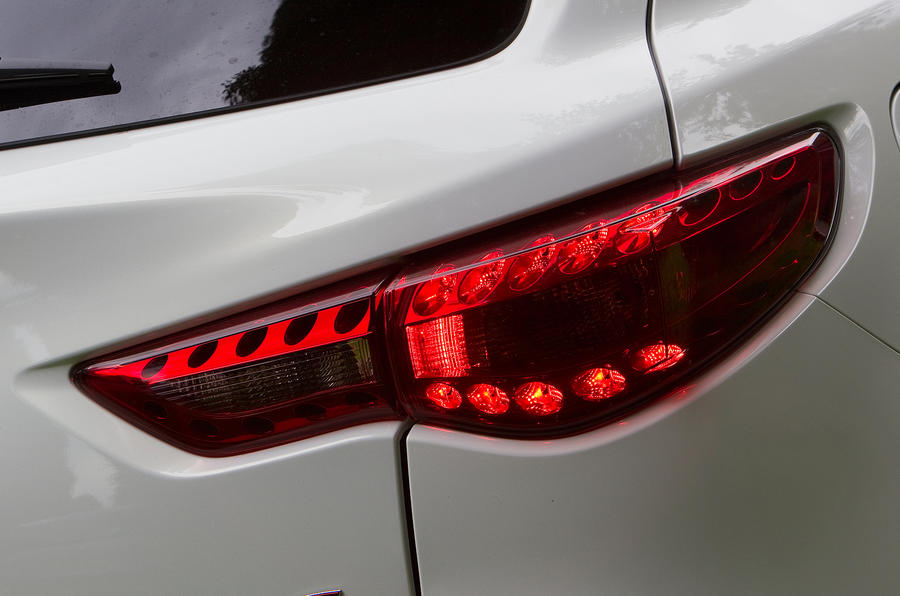 Infiniti FX LED rear lights