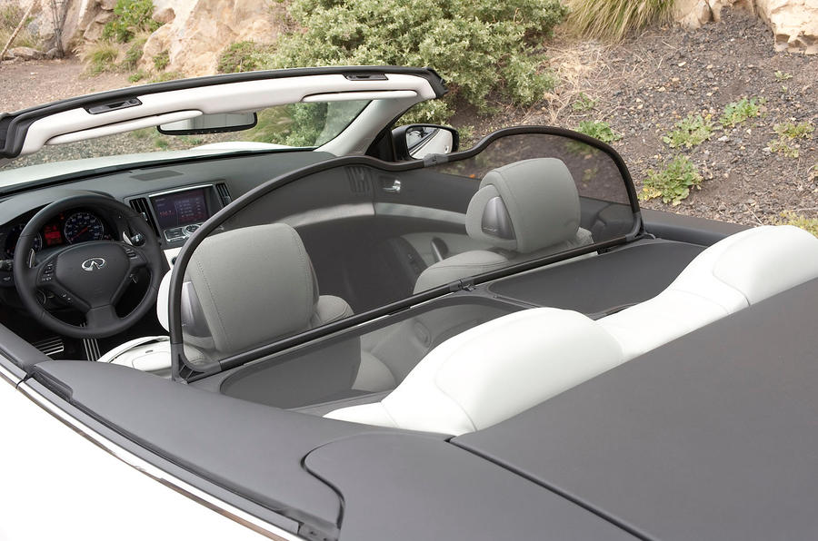 Infiniti G Series wind deflector
