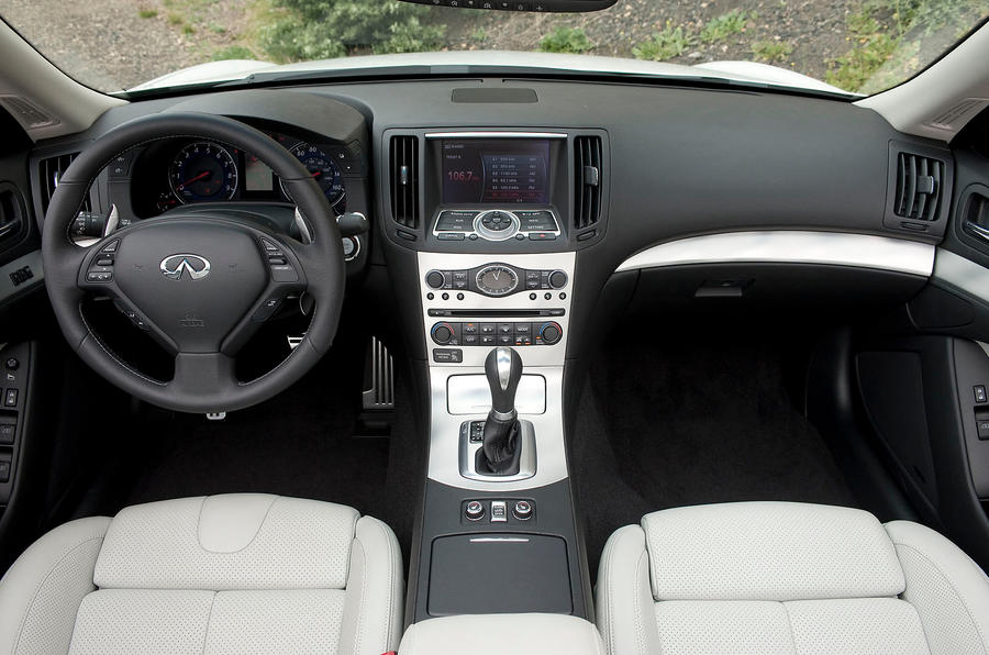 Infiniti G Series dashboard