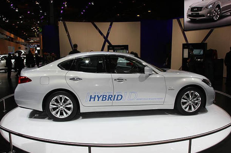 Paris motor show: Infiniti M hybrid